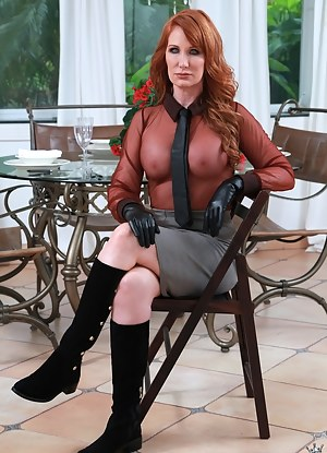 MILF Gloves Porn Pictures