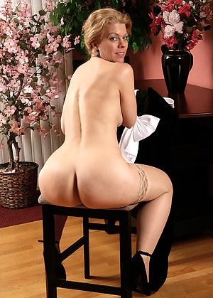 Erotic milf porn erotic milf porn pics pictures erot